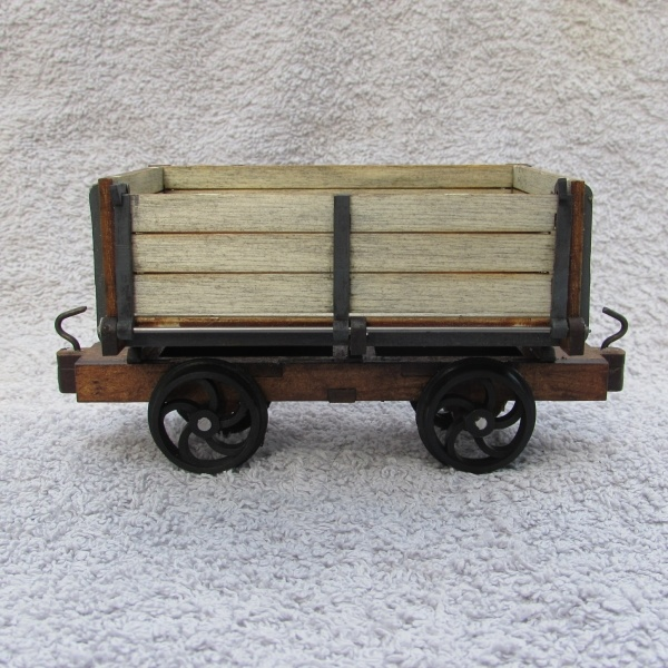 side tipping wagon - door side view