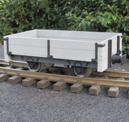Southwold 2 plank goods wagon - general view
