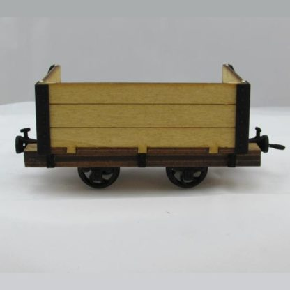 Trefor Breaker Wagon - closed side view